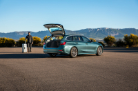BMW 3 Series Touring photo