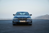 BMW 5 Series photo