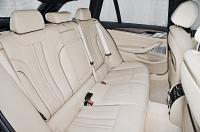 BMW 5 Series Touring photo