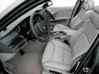 BMW 5 Series Touring E60 photo