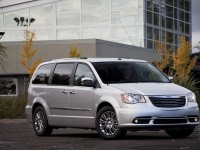 Chrysler Grand Voyager photo
