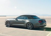 Ford Mustang Convertible photo