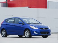 Hyundai Accent 2011 photo