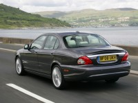 Jaguar X-Type photo