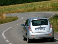 Lancia Ypsilon photo