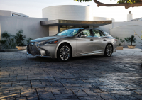 Lexus LS photo