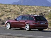 Mercedes-Benz E-Class Wagon W211 photo
