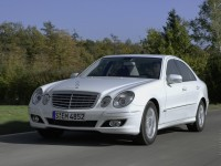 Mercedes-Benz E-Class W211 photo