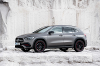 Mercedes-Benz GLA photo