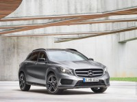Mercedes-Benz GLA 2013 photo