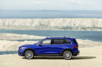 Mercedes-Benz GLB photo