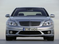 Mercedes-Benz S-Class 2005 photo