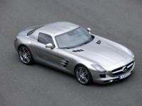 Mercedes-Benz SLS AMG photo