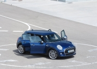 MINI 5 Door photo