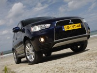 Mitsubishi Outlander XL photo