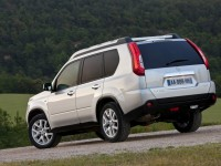 Nissan X-Trail 2011 photo