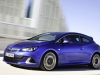 Opel Astra OPC photo