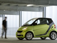 Smart fortwo coupe 2011 photo