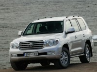 Toyota Land Cruiser 200 2011 photo