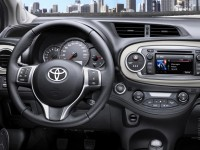 Toyota Yaris 2012 photo