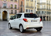 Toyota Yaris 2015 photo