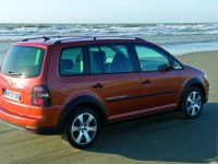 Volkswagen Cross Touran 2008 photo