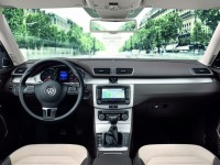 Volkswagen Passat Variant 2011 photo